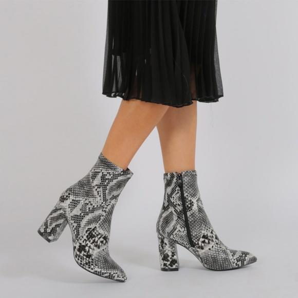 f4020f3c1fd Raya Pointed Toe Ankle Boots in Black Snake Print.  M_5aca9cc136b9dea5860e18c8